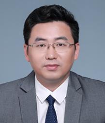 孙金山-上海重大刑事案件律师照片展示