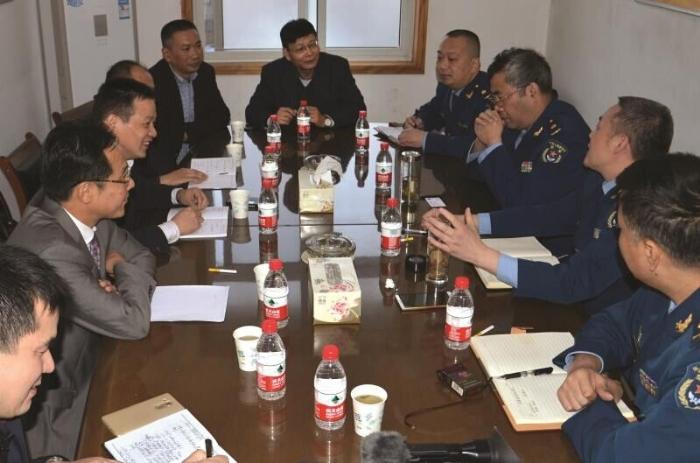 王建华律师任驻地军队常年法律特邀顾问工作照1